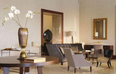 Beau-Rivage_Palace-Lausanne-Hotel_bar-6-17403.jpg