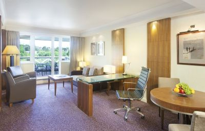 Suite Crowne Plaza READING