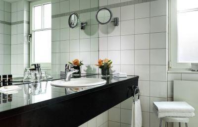 Landhaus_Carstens-Timmendorfer_Strand-Double_room_standard-2-18588.jpg