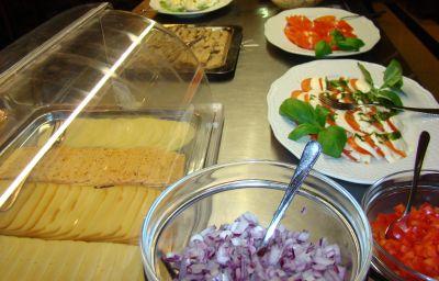 Frühstücks-Buffet SPA Faltom Stadt-gut-Hotel