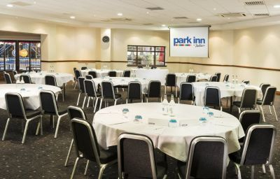 Park_Inn_By_Radisson_Cardiff_City_Centre-Cardiff-Conference_room-5-18640.jpg