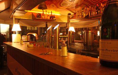 Hauser_Swiss_Quality-Sankt_Moritz-Hotel_bar-2-18748.jpg