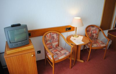 Panorama-Hotel_Frohnau-Bad_Sachsa-Room_with_balcony-5-19696.jpg