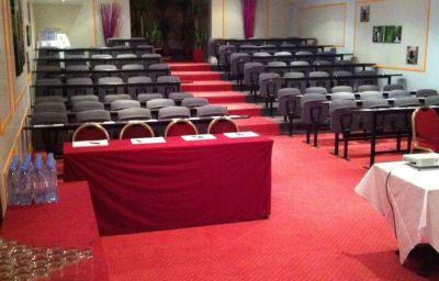 West_End-Nice-Conference_room-1-21680.jpg
