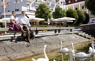 Seehotel_Schwan-Gmunden-Aussenansicht-4-21817.jpg
