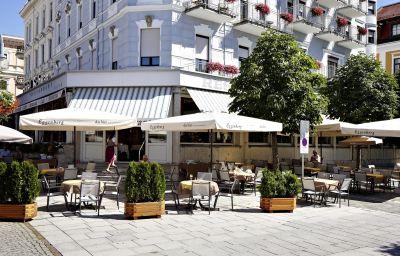 Seehotel_Schwan-Gmunden-Garten-1-21817.jpg