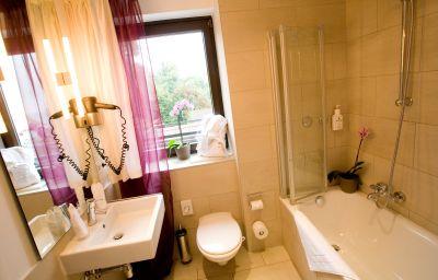 Bathroom Seehotel Leoni