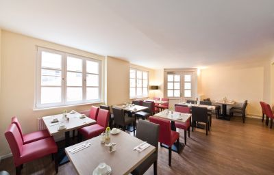 Novum_Alster_St_Georg-Hamburg-Breakfast_room-6-22381.jpg
