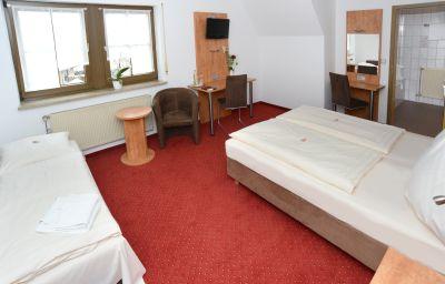 Jaegerhof-Roth-Triple_room-3-22388.jpg