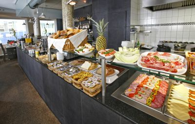 Petit-déjeuner buffet E