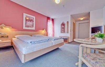 Am_Wasserschloss_Gaestehaus-Inzlingen-Room-6-23067.jpg