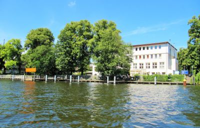 essentis_bio-seminarhotel_an_der_Spree-Berlin-Exterior_view-1-23398.jpg