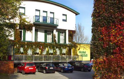 Klaus_im_Weinviertel-Wolkersdorf_im_Weinviertel-Exterior_view-2-24021.jpg