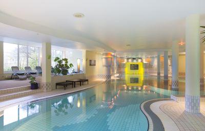 Parkhotel-Landau_in_der_Pfalz-Pool-2-25254.jpg