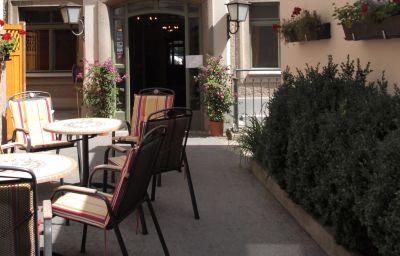 Schwarzes_Roessl-Salzburg-Hotel_outdoor_area-25318.jpg
