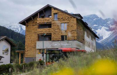 Almis_Berghotel-Obernberg_am_Brenner-Exterior_view-2-26186.jpg