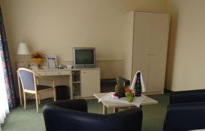 Morada_Gothaer_Hof-Gotha-Standard_room-6-26716.jpg