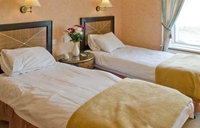Savoy_Britannia_Hotel-Blackpool-Double_room_standard-6-27226.jpg