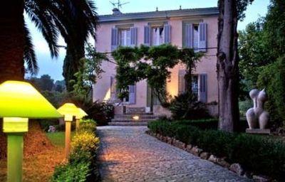 Le_Moulin_de_Mougins_Chateaux_et_Hotels_Collection-Mougins-Exterior_view-3-29017.jpg