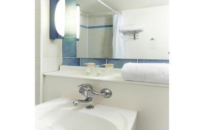 CAMPANILE_PARIS_XV_-_Tour_Eiffel-Paris-Bathroom-29326.jpg