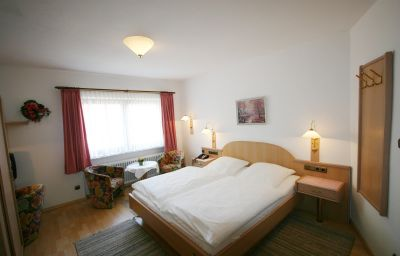 Gasthof_Isernhagen-Goedenstorf-Double_room_superior-29636.jpg