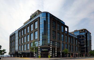 RADISSON_ADMIRAL_HOTEL_TORONTO-Toronto-Exterior_view-1-29747.jpg