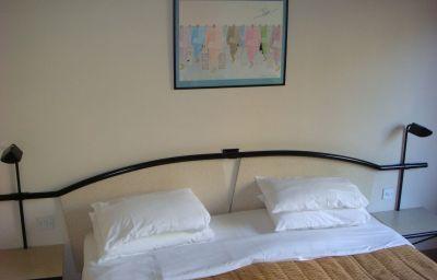La_Reserve-London-Double_room_standard-4-29836.jpg