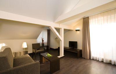 NH_Frankfurt_Villa-Frankfurt_am_Main-Suite-31055.jpg