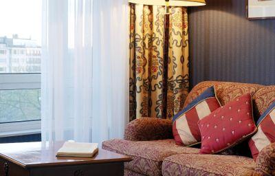 Montgomery-Brussels-Room-32-31171.jpg