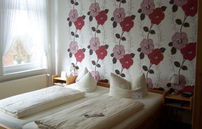 Zur_Linde_Hotel-Meldorf-Doppelzimmer_Standard-5-31234.jpg