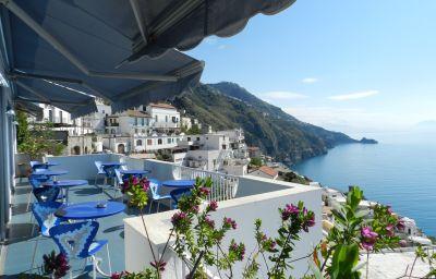Holiday-Praiano-Exterior_view-31999.jpg