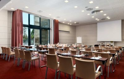 Hilton_Florence_Metropole-Florence-Conference_room-17-32102.jpg