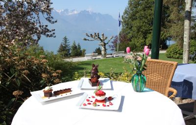 Victoria-Montreux-Hotel_kitchen-4-33474.jpg