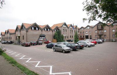 De_Poort_Sporthotel-Goch-Exterior_view-1-34124.jpg
