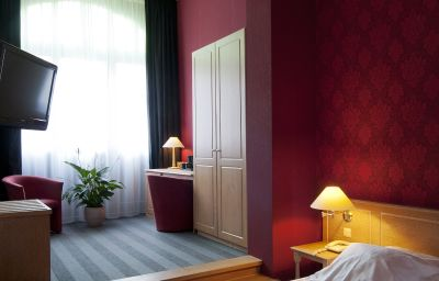 Hotel_Gravensteen_-_Historic_Hotels_Ghent-Ghent-Business_room-4-34183.jpg