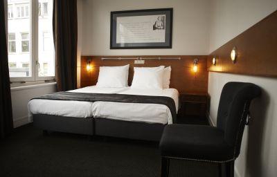 Double room (standard) Hotel Piet Hein