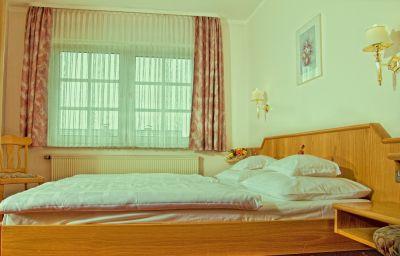 Borger-Frankfurt_am_Main-Junior_suite-1-35327.jpg