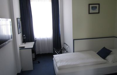 Neue_Kraeme-Frankfurt_am_Main-Single_room_standard-35358.jpg