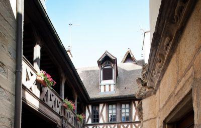 Philippe_le_Bon_Exclusive_Hotel-Dijon-Terrace-2-36322.jpg
