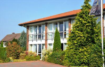Zur_Post_Gaestehaus-Garrel-Aussenansicht-4-36438.jpg