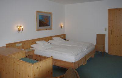 Seethaler-Straubing-Double_room_superior-2-37190.jpg