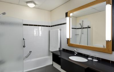 NH_City_Centre_Hotel-Amsterdam-Double_room_standard-6-37643.jpg