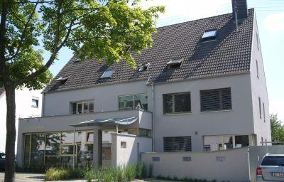 hotelmaerchen_Garni-Ludwigsburg-Exterior_view-37737.jpg