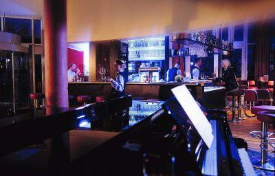 Strand-Hotel_Huebner-Rostock-Hotel-Bar-37902.jpg