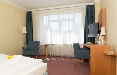 Strand-Hotel_Huebner-Rostock-Doppelzimmer_Standard-37902.jpg