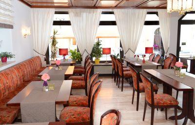 Weisses_Lamm-Allersber-Restaurantbreakfast_room-1-38293.jpg