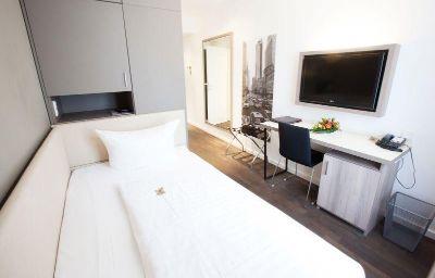 Room Manhattan