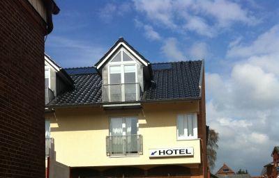 Die_Friesenhalle-Bredstedt-Hotel_outdoor_area-39095.jpg