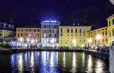 BEST_WESTERN_Hotel_Europa-Riva_del_Garda-Hotel_outdoor_area-40825.jpg