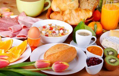 Breakfast buffet Alt-Tegel